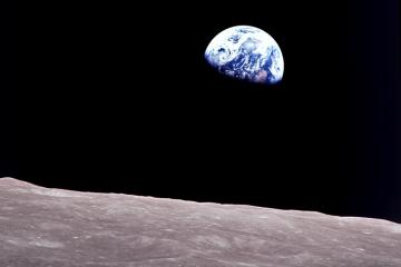 earthrise 1